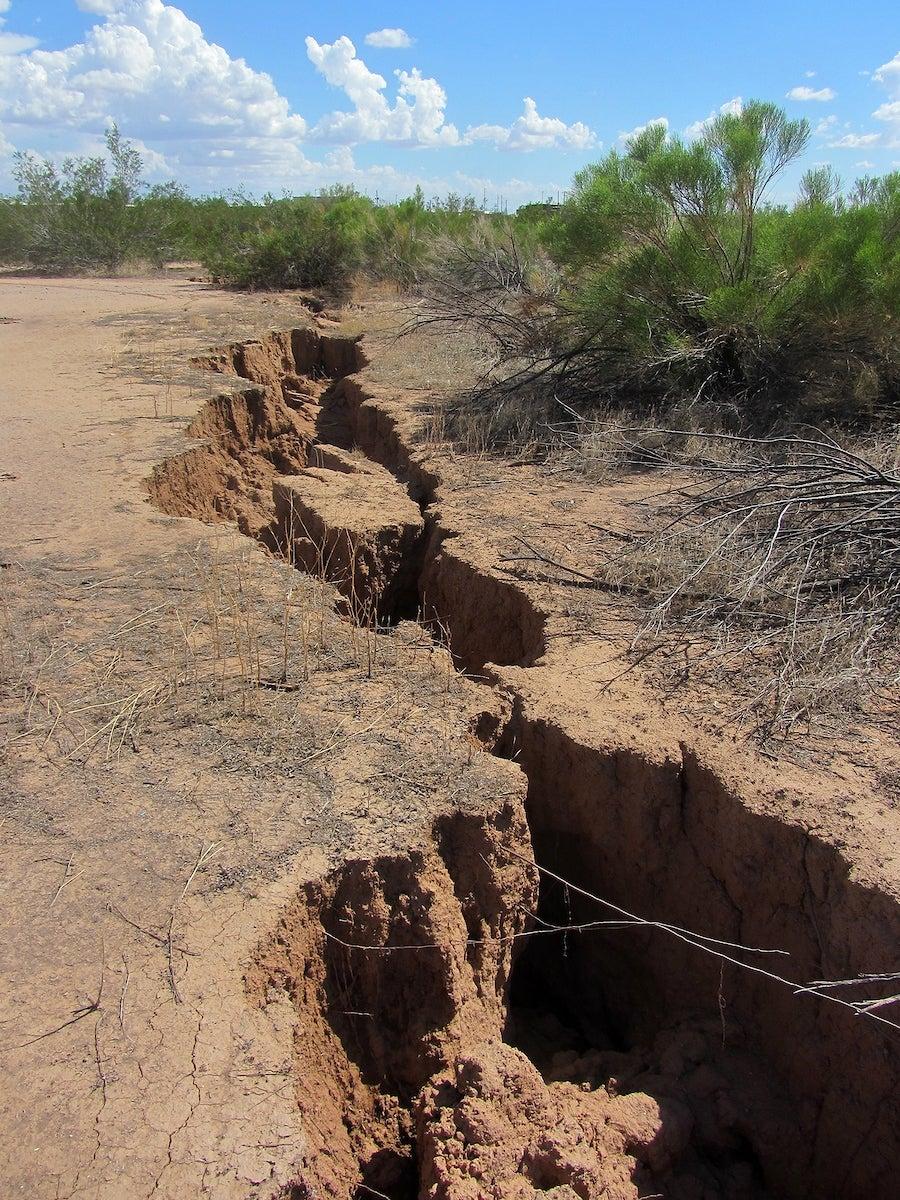 Earth fissure metro Phoenix