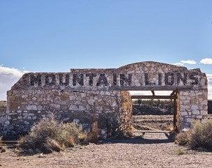Two Guns Zoo ruins Route 66
